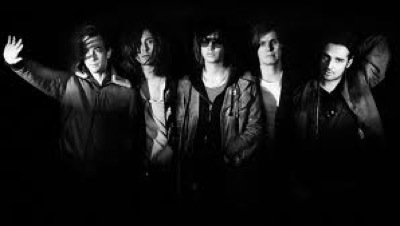 flux4_TheStrokes